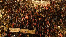 As lockdown eases, Israelis again gather against Netanyahu