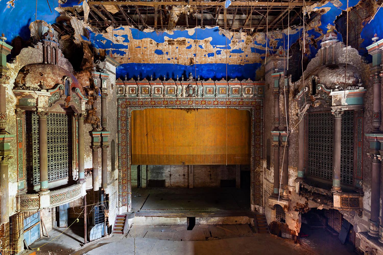 <p>Matt Lambros, a photographer from Brooklyn, N.Y., began creating his series of beautiful images depicting abandoned theaters across America in 2009. (Photo: Matt Lambros/Caters News) </p>