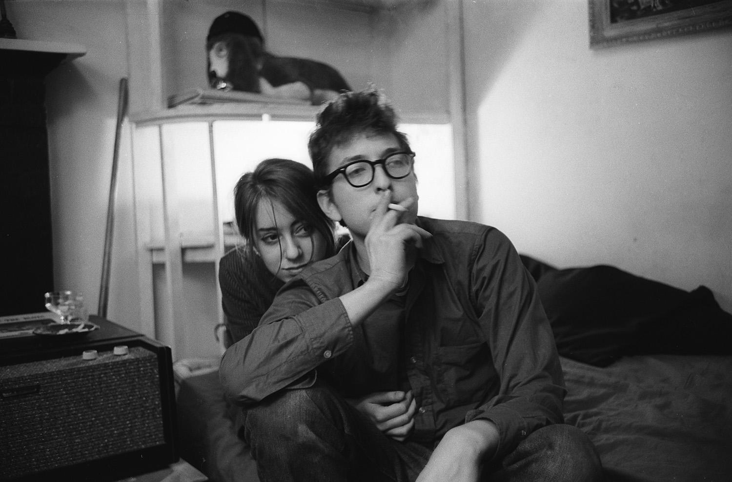 <p>Bob Dylan and Suze Rotolo, 161 W 4th St., New York, NY, 1961. (Photo: Ted Russell/Polaris/Steven Kasher Gallery) </p>