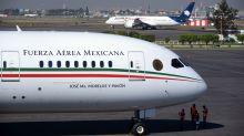"""México recibe oferta de 120 millones de dólares """"en efectivo"""" por el avión presidencial"""