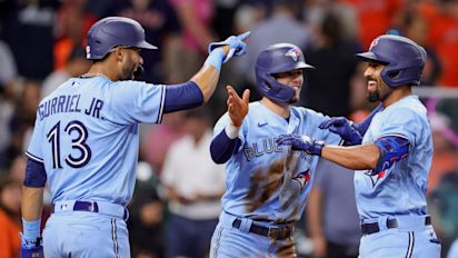 Blue Jays' bats come alive in win over Astros