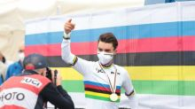 Cyclisme - Le nouveau maillot arc-en-ciel et le nouveau vélo de Julian Alaphilippe