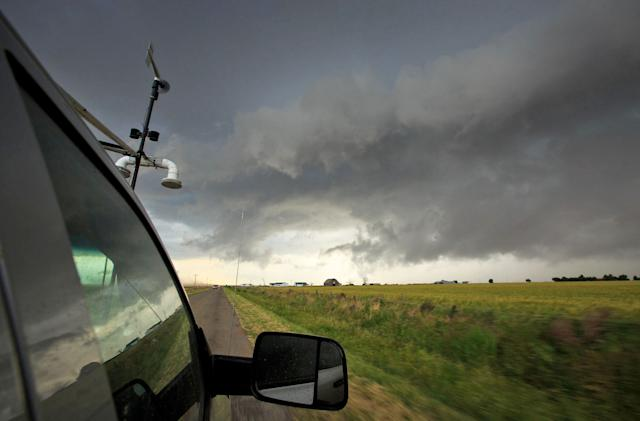 Forecast data model warns you of tornadoes hours in advance