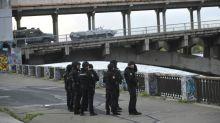 Police capture gunman who threatened to blow up Kiev bridge