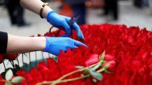 Las redes se llenan de mensajes de solteros resignados en San Valentín