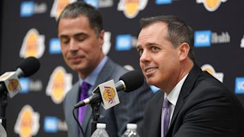Awkward introduction for new Lakers coach
