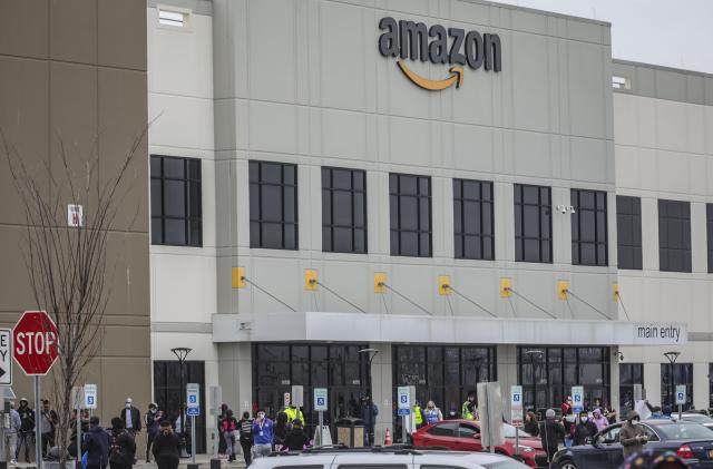 Amazon workers plan Black Friday strikes and protests in 15 countries