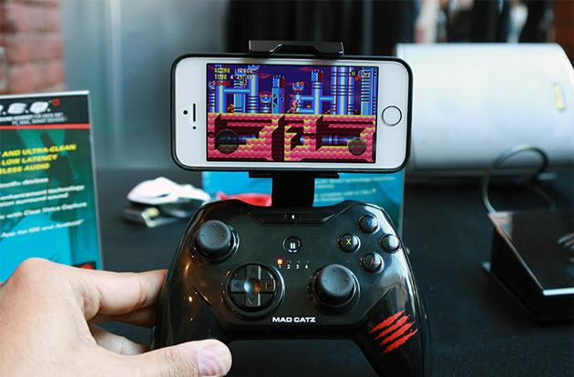 Mad Catz C.T.R.L.i is an iOS 7 controller with Xbox heritage (hands-on)