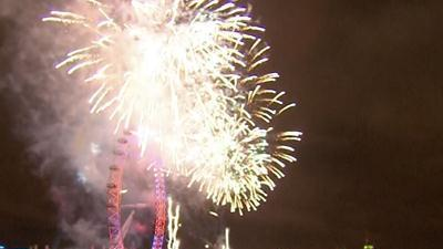 Raw: London Rings in the New Year
