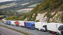 Londres advierte de atascos en frontera si hay Brexit duro
