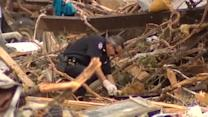 Authorities search, sift through North Texas tornado damage