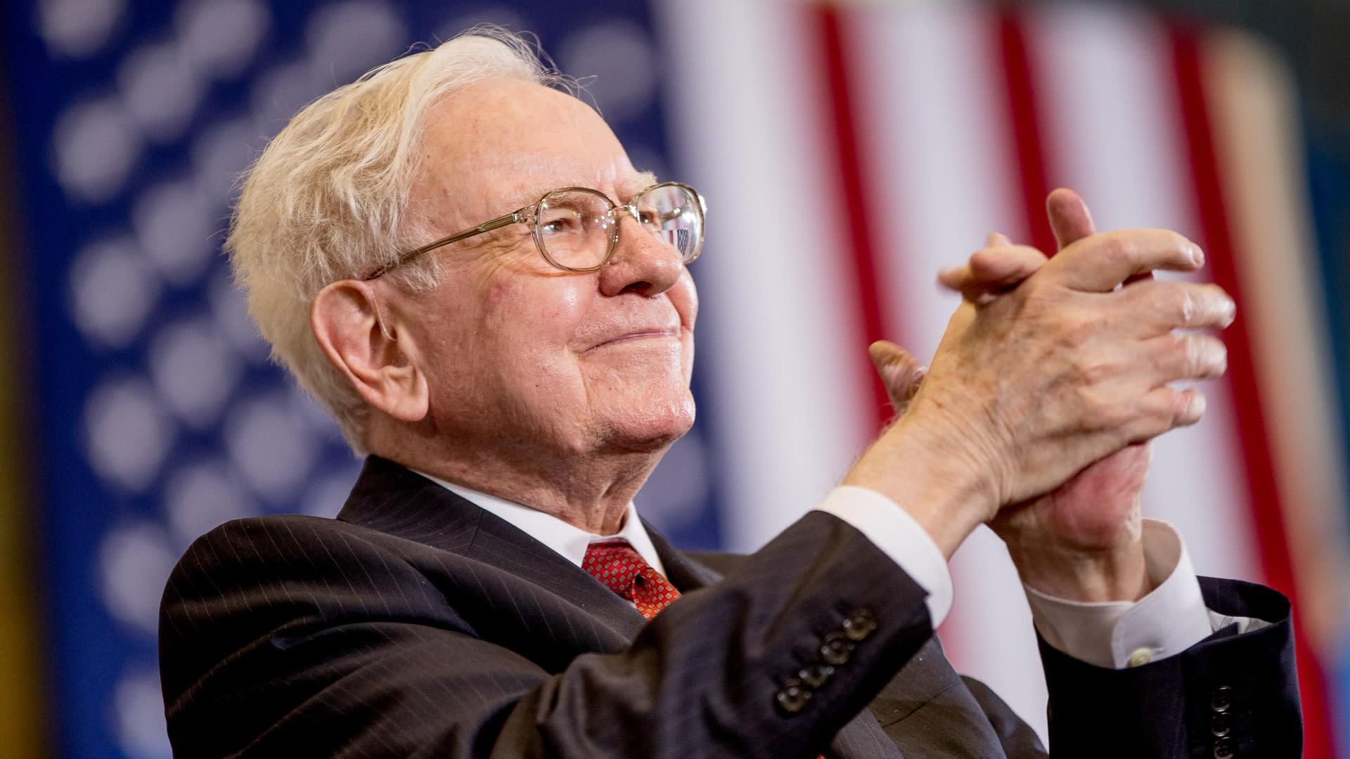 The First Jobs of Billionaires Like Warren Buffett and Jeff Bezos