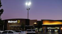 Walmart says it pays an average hourly wage double the