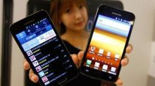 Samsung Galaxy SIII 'to launch next month'