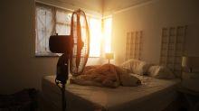 Besser schlafen: Der Ventilator hat neben dem Bett nichts zu suchen