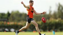 Giant Kelly won't bug Cameron on AFL deal