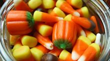 Your Kid With Egg Allergies Can Safely Eat These 20 Halloween Treats