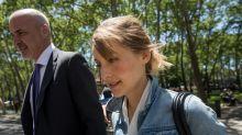 Allison Mack (Smallville) se remite a la Cienciología para eludir las acusaciones de tráfico sexual