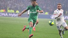 Foot - Transferts - Transferts: Loïs Diony (Saint-Etienne) discute avec Angers