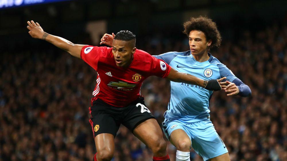 Manchester United equal club best unbeaten run in top-flight season