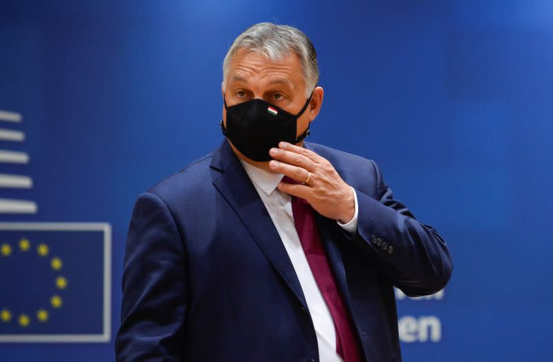Hungary PM agrees on big wage hike for doctors as COVID-19 cases rise