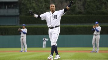 Victor Martinez calls it a career after 16 years