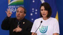 Michelle pede sanção para punição a maus-tratos a animais, mas Bolsonaro propõe enquete