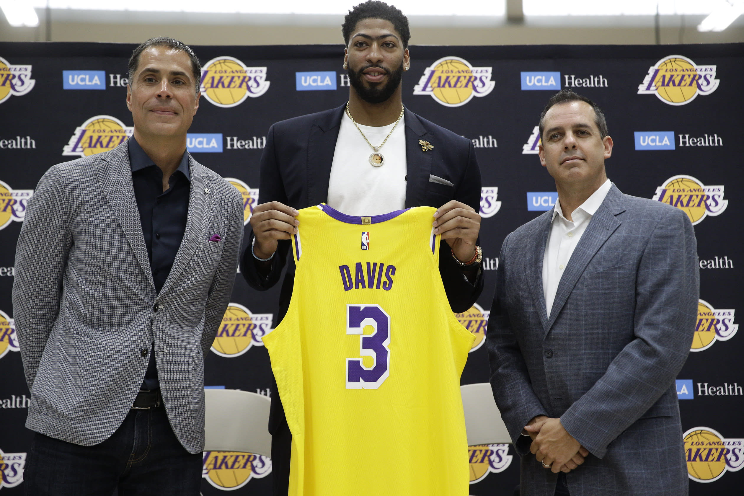 Anthony Davis On Nike Blocking Jersey Number Swap With
