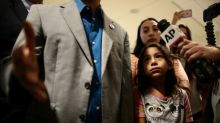 Judge calls U.S. efforts to reunite deported parents 'unacceptable'