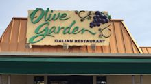 18 Secrets Olive Garden Employees Want You To Know