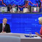 Putin Blames Sanctions, Energy Prices for Declining Russian Incomes