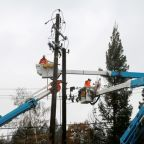 PG&E says more potential power cuts could hit about 209,000 customers