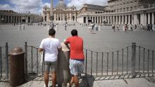 El Vaticano sienta en el banquillo a un cardenal acusado de corrupción por primera vez en la historia
