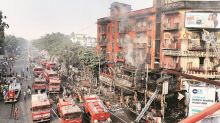 Gariahat fire aftermath: Mayor asks hawkers not to use tarpaulin sheets, promises square umbrellas