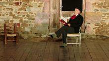 Lecture de Philippe Caubère, conte irlandais, musique et théâtre au programme du Footsbarn festival dans l'Allier