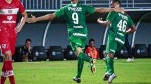 Chapecoense bate CRB e retoma a vice-liderança da Série B