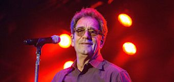 Huey Lewis considered suicide after hearing loss