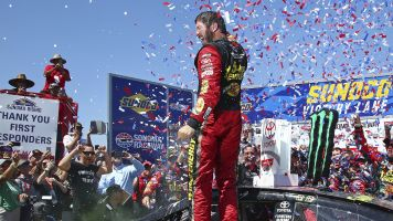 Truex Jr. motors to second-straight Sonoma win