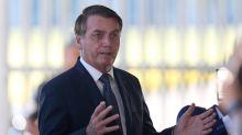 Bolsonaro faz chamado para jejum religioso neste domingo contra coronavírus