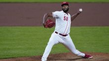 Reds inch closer to playoffs with 4-1 win over Pirates