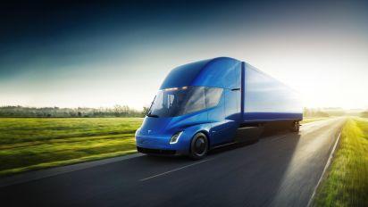 Tesla unveils electric big rig with 800km range