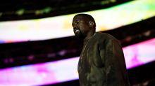 Kanye West orina sobre un Grammy en medio de su disputa con las discográficas