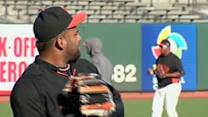 SF Giants players prepare for Game 1 of NLCS