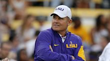 Reports: Houston targets Les Miles, Lane Kiffin, others in coaching search