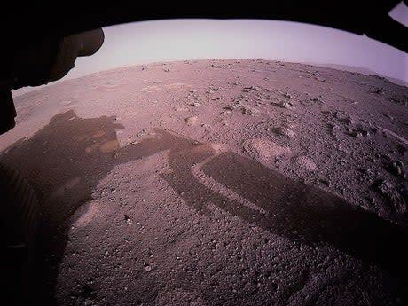 """La NASA revela audio del misterioso """"ruido de rasguño agudo"""" grabado por Perseverance en Marte"""