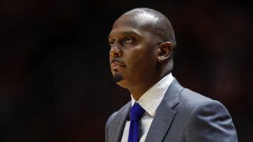 Report: Fight over hoops coach turns violent