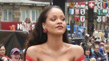 Rihanna lució este tremendo 'strapless' que la puso en aprietos; mira las fotos