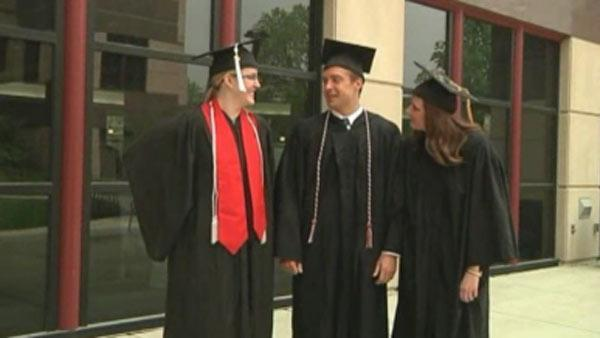 Triplets graduate from same college togther