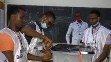 """Après la présidentielle en Guinée, l'opposition dénonce une """"fraude à grande échelle"""""""