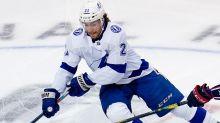Hockey Daily Dose: Lightning strike hard to tie series at 1